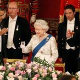 见到女王,怎么说话举止才得体?