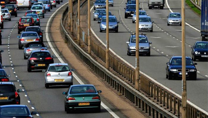 为什么英国是靠左行驶