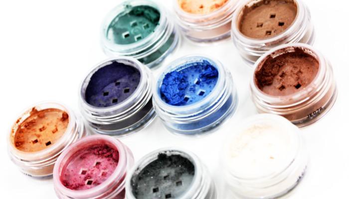 Shimmer Eyeshadow(闪光眼影)