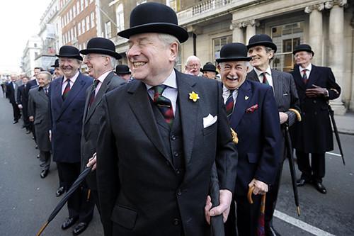传统绅士打扮