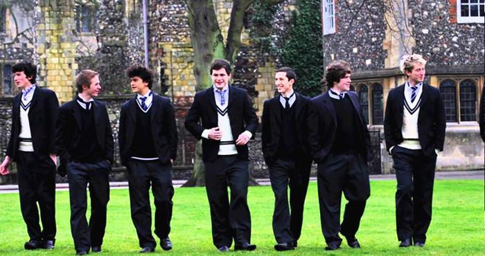 穿校服的绅士们