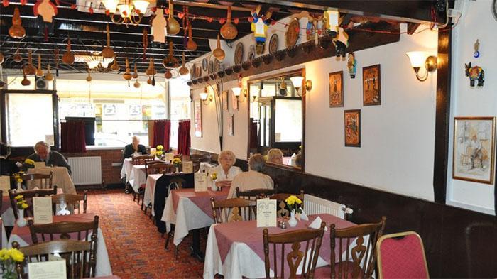 Greek:Romanzo Greek Taverna