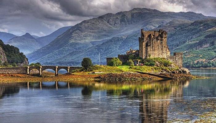 爱莲·朵娜城堡(Eilean Donan Castle)