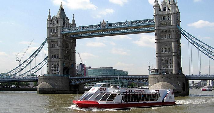 伦敦泰晤士河游船