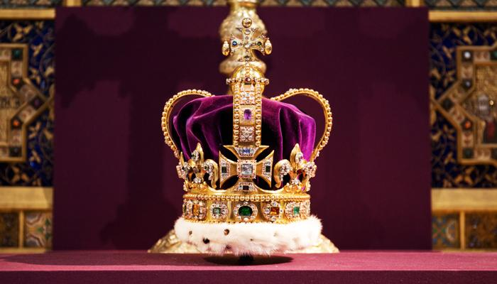 LONDON, UNITED KINGDOM - JUNE 4: St Edward's Crown is pictured during a service to celebrate the 60th anniversary of the Coronation of Queen Elizabeth II at Westminster Abbey, on June 4, 2013 in London, England. (Photo by Jack Hill - WPA Pool /Getty Images)