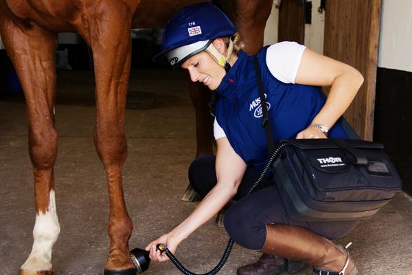 Zara Phillips Horse equine TX Treatment Customer_MG_2564