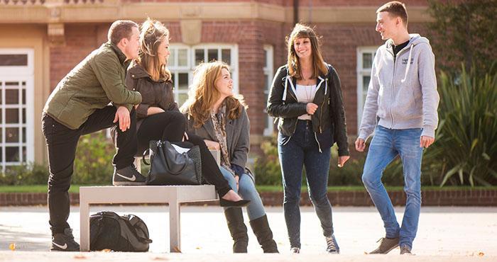 英国大学学校生活