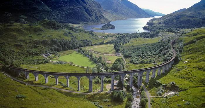 伦芬南高架桥(Glenfinnan Viaduct)