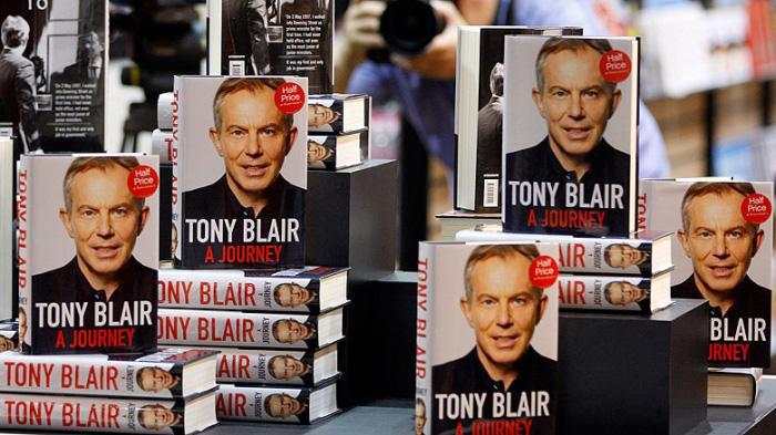 英国前首相托尼·布莱尔和他的传记