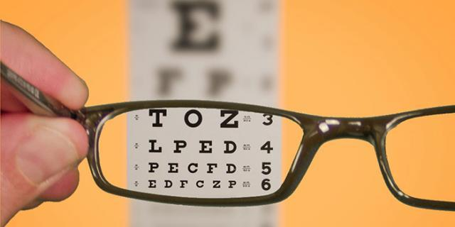 度数加深,眼镜坏了,在英国如何配框架眼镜?