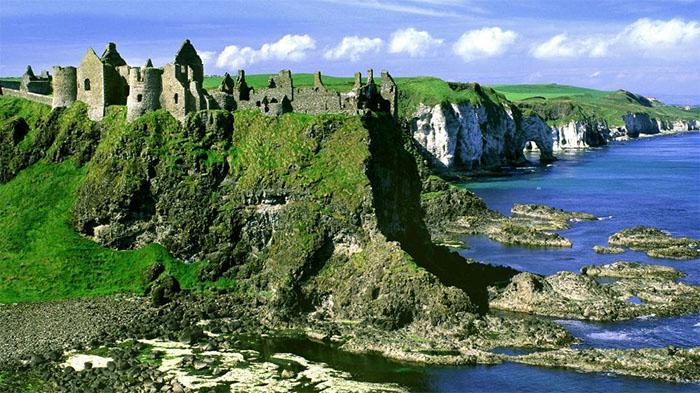 邓路斯城堡(Dunluce Castle)