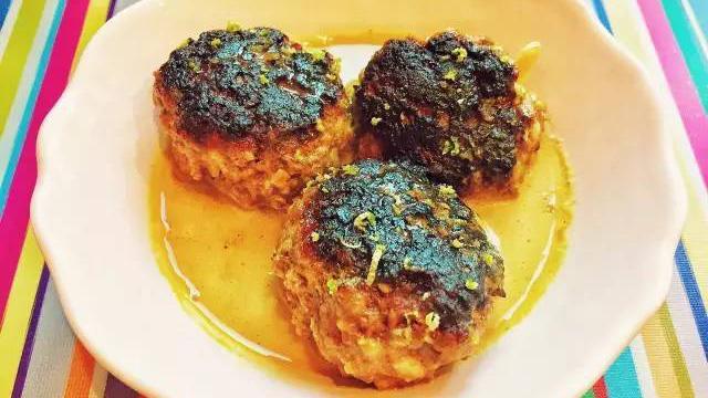 Meatballs In Fragrant Coconut Broth椰香牛肉丸
