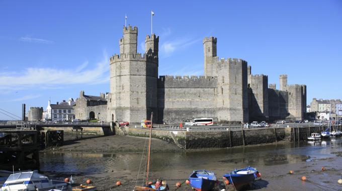 卡那封城堡(Castell Caernarfon)