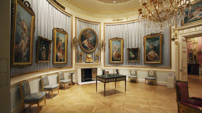 Oval Drawing Room