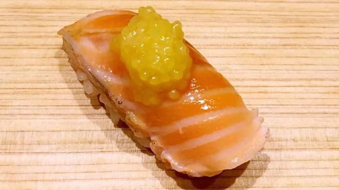 三文鱼配Golden Almas鱼子酱