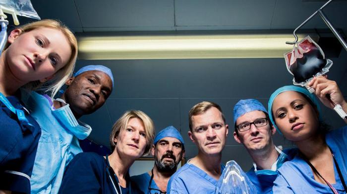 BBC 2纪录片《Hospital》剧照