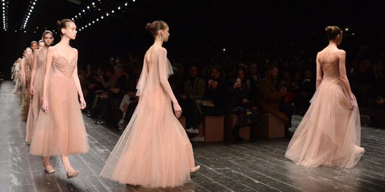 看懂Valentino 2017时尚要素,做有个性的小仙女