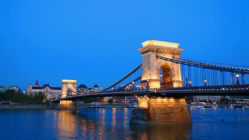 Szechenyi Chain Bridge 链子桥