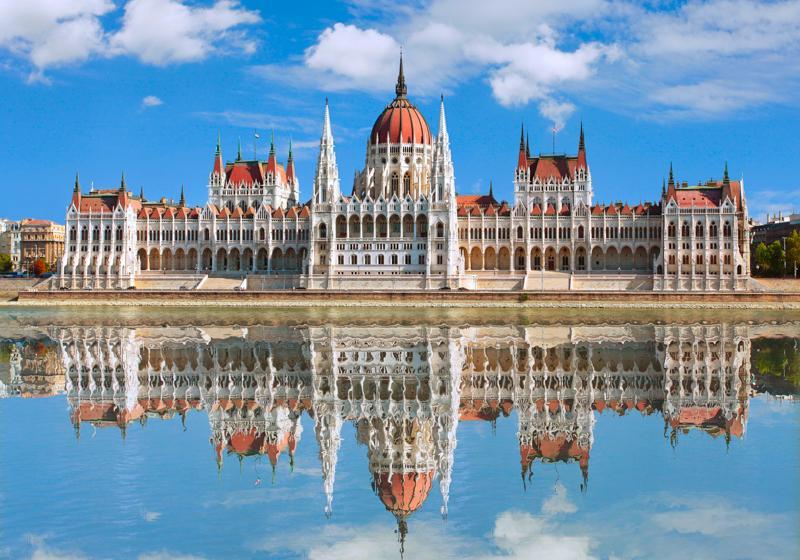 Parliament Building 国会大厦