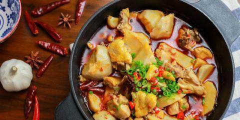 视频|如何用英国本地食材做地道的川式芋儿鸡