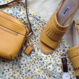 Clarks 2018 夏季折扣开始啦:全场高达<tag> 50% off</tag>。Clarks 每年一度的夏季折扣应该算是英国大众最期待的打折之一,很多人都会等到打折的时候入手本年的春夏新款,包括好多漂亮的凉鞋、平底鞋等等,快来选购,畅销码很快就没啦!